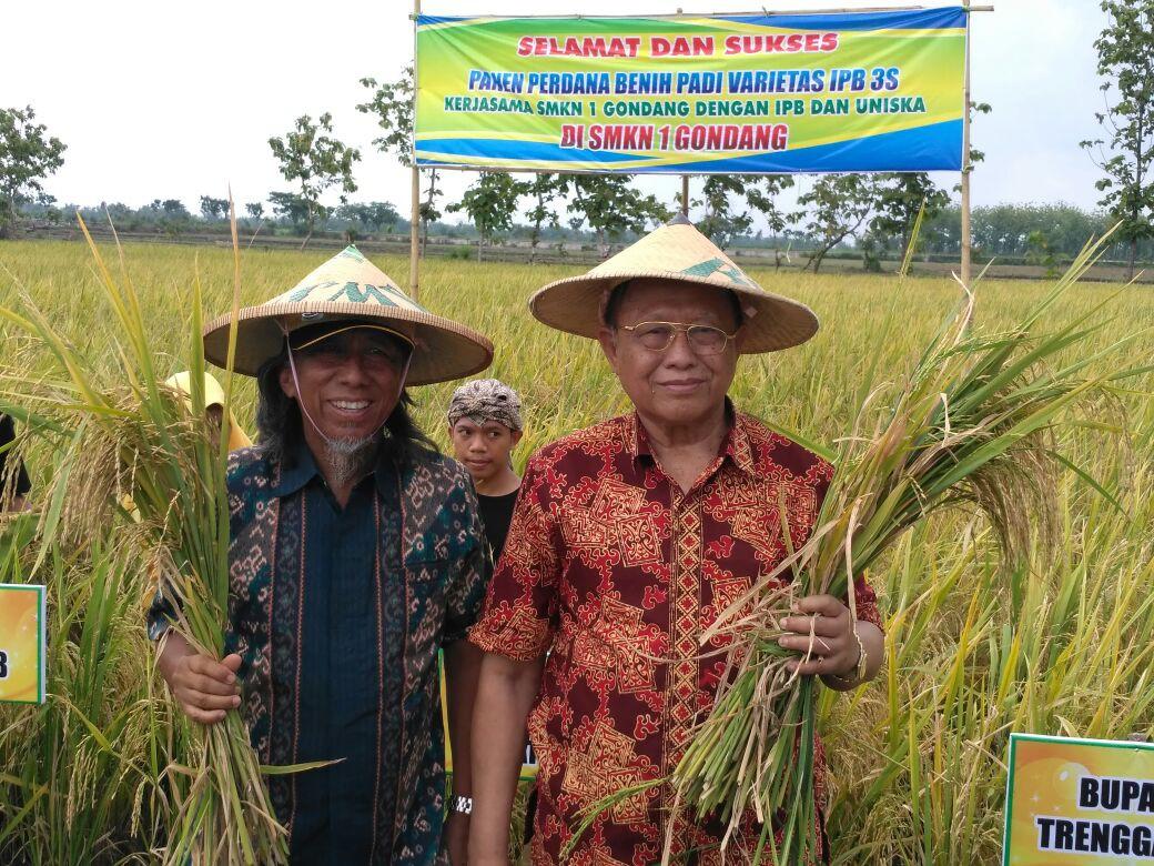 Bukti Kerjasama UNISKA Kediri dengan IPB Bogor dan SMKN I Gondang Nganjuk
