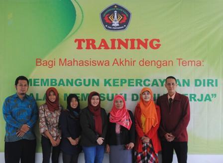 Pelatihan Mahasiswa Semester Akhir